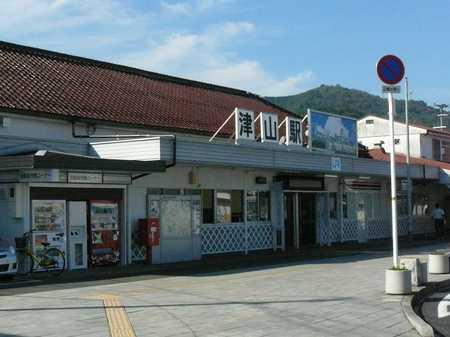津山駅01.jpg